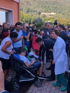 Premier Conte tra i pazienti